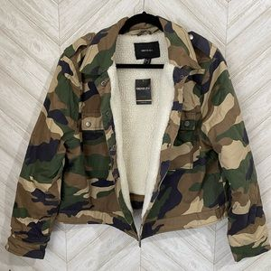 Camo jacket with Sherpa lining